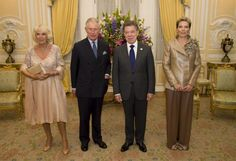 Camilla, Duchess of Cornwall poses with Prince Charles, Prince of Wales the First Lady of Colombia María Clemencia Rodríguez Múnera and the President of Colombia Juan Manuel Santos at the Presidential Palace for a State Dinner on October 29, 2014 in Bogota, Colombia