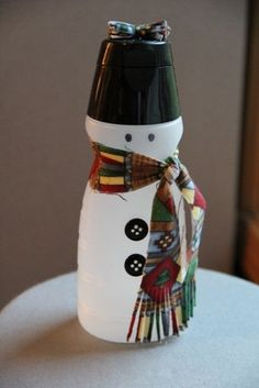 Use creamer containers to make snowmen!  @Stephanie Byrd