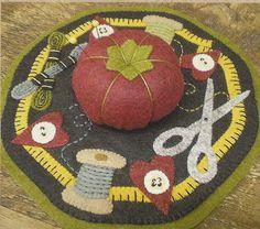 SALE - Primitive Folk Art Wool Applique Pattern:  SEWING MAT