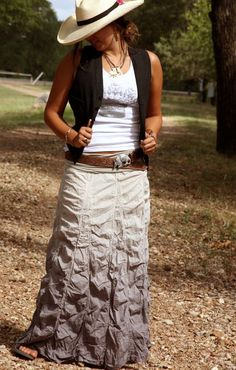 this skirt rocks!  another reason to <3 the junk gypsy co.!