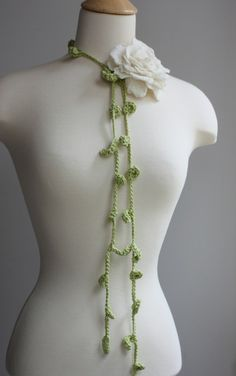 crochet lariat with rose