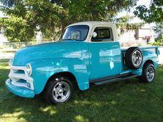 Cheverolet 3100 Pick up Vintage Pickup Trucks, Classic Pickup Trucks, Antique Trucks, Antique Cars, Chevrolet 3100, Chevrolet Trucks, Gmc Trucks, Cool Trucks, 54 Chevy Truck