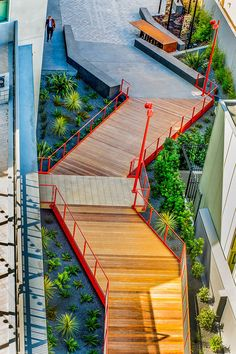 The Dogpatch Ropewalk | San Francisco, CA, USA | Fletcher Studio #landscapearchitecture #design #boardwalk #timber #Dogpatch #public #space #plaza #planting