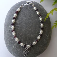 Swarovski Pearl and Garnet Bracelet Free Worldwide Shipping €15.00