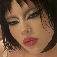 Edgy Makeup, Makeup Eye Looks, Grunge Makeup, Creative Makeup Looks, Eye Makeup Art, Pretty Makeup, Cute Makeup Looks, Makeup Inspo, Eyeshadow Makeup