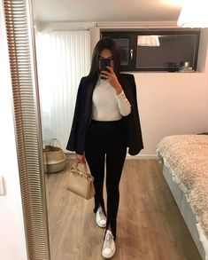 Basic Outfits, Mode Outfits, Cute Casual Outfits, Casual Chic, Stylish Outfits, Winter Fashion Outfits, Look Fashion, Winter Outfits, Classic Fashion