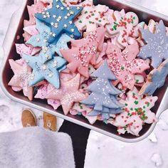 1892 Best Weihnachten DIY & Deko images in 2020 Meaning Of Christmas, Christmas Mood, Noel Christmas, Merry Little Christmas, Pink Christmas, Christmas Treats, Christmas Baking, Christmas Cookies, Christmas Decorations