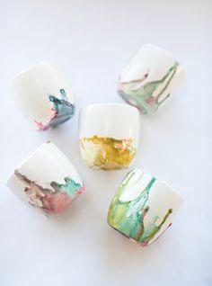 Make It: Kid-Made Marbleized Bowls For Mother's Day Ceramic Cups, Ceramic Pottery, Ceramic Art, Pottery Painting, Ceramic Painting, Pottery Classes, Pottery Designs, Ceramic Design, Artisanal
