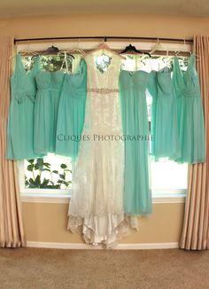 Wedding dress | Wedding photography | Country Wedding | Lace wedding dress | Bridesmaid dresses | Oregon photographer