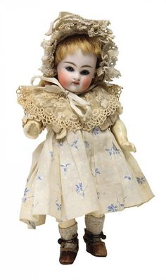 KESTNER doll with bisque head, marked 3, 21 cm, blue