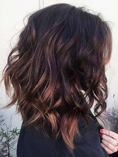 13 Medium shoulder length hairstyles for girls can style and improve the beauty there is to any girl