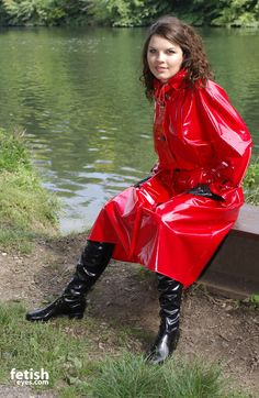 Red Raincoat, Vinyl Raincoat, Raincoat Jacket, Plastic Raincoat, Rain Fashion, Latex Fashion, 70s Fashion, Womens Fashion, Shiny Boots