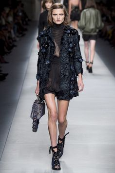 ffa332392c9 Fendi Spring 2016 Ready-to-Wear Fashion Show