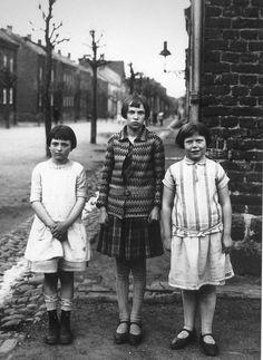 photos by August Sander August Sander, Documentary Photographers, Famous Photographers, Vintage Photographs, Vintage Photos, Vintage Portrait, Vintage Children Photos, Classic Portraits, Susan Sontag