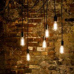 """Для любителей винтажного стиля """"Лампочка Эдисона # 19"""" будет идеальным и простым решением детального интерьера дома, квартиры, ресторана, бара или кафе. Чудо заключается в полноцветном спектре лампы, имитирующей натуральный дневной свет. #лампа, #освещение, #свет, #lamp, #objectmechty"""