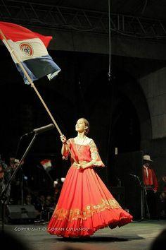 Cantando el himno del paraguay