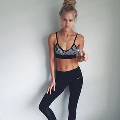 SMT customer @RebeccaSzulc is looking toned & fit with her cup of SkinnyMe Tea #BabesDrinkTea #BabesDrinkSMT