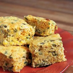 Cheesy Jalapeño Cornbread - Chiles, corn, and low-fat cheese, make this a flavorful, healthy recipe with the wholesome goodness of stone ground cornmeal. Great with chili & soup. Jalapeno Cornbread, Homemade Cornbread, Mexican Cornbread, Good Food, Yummy Food, Yummy Snacks, Yummy Recipes, Healthy Snacks, Recipies