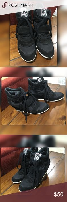 "Ash Bowie Black Casual Wedge Sneakers sz 39/USA 9 Pre-owned Ash Bowie wedge sneakers with contrast sole for running around town while looking stylish. You'll find endless ways to wear these chic sneaker wedges. Originally $198.00  FEATURES * Suede upper, leather lining, rubber sole * Velcro strap across instep for flexible fit * Round cap toe, lace up. * 3"" hidden wedge heel  Please review all pictures. The shoes are being sold in ""as is"" condition and are reflective of normal wear. If you…"