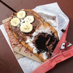 Double the flavour - double the delicious! Choco Banane/Coco Vanil' BeaverTails pastry Photo by bougiequeeen