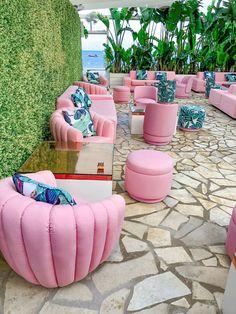 Precious Tips for Outdoor Gardens In general, almost half of the houses in the world… Deco Restaurant, Restaurant Interior Design, Salon Design, Tropical Garden, Pink Aesthetic, Palm Springs, Ibiza, Outdoor Gardens, Coffee Shop