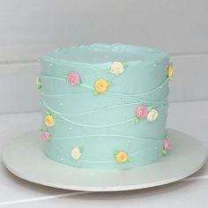 Beautiful Birthday Cakes, My Birthday Cake, Beautiful Cakes, Cake Decorating Frosting, Birthday Cake Decorating, Cake Decorating Techniques, Cake Decorating Tutorials, Pastel Cakes, Mom Cake