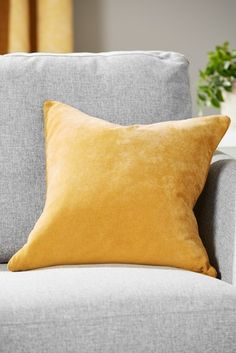 Indulge in striking style with cosy cushions. Accentuate your decor with sofa & large scatter cushions. Next day delivery & free returns available. Silver Cushions, Large Cushions, Yellow Cushions, Colourful Cushions, Large Sofa, Scatter Cushions, Cushions On Sofa, Cushion Pads, Bedroom Storage