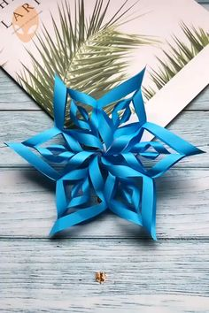 bastelideen weihnachten 10 Amazing And Fun Origami Ideas - DIY Tutorials Videos Instruções Origami, Paper Crafts Origami, Easy Paper Crafts, Diy Paper, Origami Ideas, Origami Xmas Decorations, Easy Origami Flower, Dollar Origami, Origami Bookmark