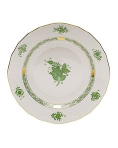 Herend Chinese Bouquet Green Dessert Plate at Kitchen Appliances Lists Products - the popular oriental inspired design originally named apponyi flowers is particularly striking in the solid coloration enhanced by accents of gold throughout Herend China, Green Desserts, Dessert Aux Fruits, White Clay, Salad Plates, Fine Dining, Dinner Plates, Timeless Design, Dinnerware