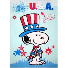 Snoopy Patriotic U. Flag - Charles M. Charlie Brown Halloween, Charlie Brown Christmas, Peanuts By Schulz, Peanuts Snoopy, Snoopy Love, Snoopy And Woodstock, Baby Snoopy, Snoopy Blanket, Snoopy Merchandise