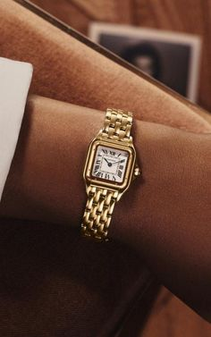 FRESH – TheyAllHateUs Cartier Santos, Cool Watches, Watches For Men, Cheap Watches, Luxury Watches Women, Wrist Watches, Cartier Watches Women, Pocket Watches, Cartier Gold Watch