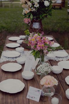 """Bruna & Danilo - Mini Wedding no Campo - Vocês estão prestes a ver um casal que levou o conceito de """" Do it Yourself"""" a níveis nunca antes vistos."""