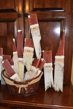 Shabby Clause is Coming to Town- Scrap Wood Santa Shabby Clau. Shabby Clause is Coming to Town- Scrap Wood Santa Shabby Clause is Coming to Town- Scrap Wood Santa Christmas Wood Crafts, Country Christmas Decorations, Christmas Signs, Homemade Christmas, Rustic Christmas, Christmas Art, Christmas Projects, Winter Christmas, Holiday Crafts