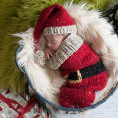 Loom Knit Christmas Cocoon And Santa Hat Pattern For Newborn Baby. Loom Knit Santa Christmas Cocoon and Santa Hat Pattern. Make This Newborn Swaddler and Elf Hat for Baby Using This PDF Loom Knitting PATTERN by This Moment is Good. Loom Knitting Projects, Loom Knitting Patterns, Elf Hut, Baby Santa Outfit, Newborn Picture Outfits, Newborn Christmas Pictures, Baby Cocoon Pattern, Knitted Hats Kids, Newborn Crochet