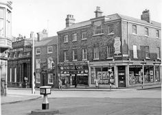 Junction of Norfolk Street and Surrey Street, No Hibbert Bros., Fine Art Dealers, No Norfolk Cafe, No Brown Bear P. Sheffield Pubs, Sheffield England, Sources Of Iron, South Yorkshire, Derbyshire, Surrey, Back In The Day, Norfolk, Old Photos