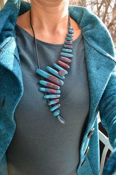 Assymetrical necklace - new season bijouterie Textile Jewelry, Fabric Jewelry, Boho Jewelry, Jewelry Crafts, Jewelry Art, Beaded Jewelry, Jewelry Necklaces, Handmade Jewelry, Fashion Jewelry