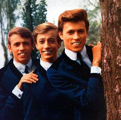 The Gibb Family - Barry Gibb and the Bee Gees - Pictures - CBS News