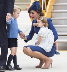 VICTORIA, British Columbia (AP) — Little Princess Charlotte, Prince George and their parents, Prince William and Kate, arrived in Canada on Saturday for thei. William Kate, Prince William, Duchess Kate, Duke And Duchess, Princesse Kate Middleton, Herzogin Von Cambridge, English Royal Family, Prince George Alexander Louis, Princesa Kate
