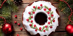 traditional homemade christmas cake holiday dessert with cranberry in new year tree decorations frame on vintage wooden table background. Christmas Cakes Images, Christmas Cupcakes, Christmas Sweets, Holiday Cakes, Christmas Cooking, Homemade Christmas, Christmas Desserts, Christmas Time, Christmas Greetings