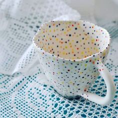 For the love of Dots and Lace! New dotty coffee cup ☕ . For the love of Dots and Lace! New dotty coffee cup ☕ . Ceramic Pots, Ceramic Beads, Ceramic Pottery, Ceramic Clay, Painted Pottery, Ceramic Coffee Cups, Ceramic Houses, Slab Pottery, Porcelain Ceramics