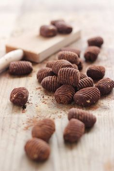 MIEL & RICOTTA: Gnocchi dolci al cioccolato, castagne e nocciole/200 g dark chocolate 64 % 200 g chestnut puree 80 g hazelnuts grain cocoa
