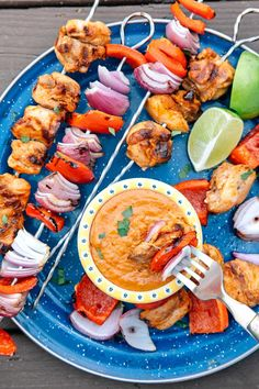 skewers and kabobs are a great make ahead camping meal that can easily be customized and scaled up to feed a crowd. They are fun to make and cook right on the campfire for easy cleanup. Get this Grilled Thai Chicken Kebab recipe and more here! Camping Food Make Ahead, Best Camping Meals, Camping Recipes, Camping Ideas, Outdoor Camping, Camping Menu, Camping Dishes, Camping Guide, Family Camping