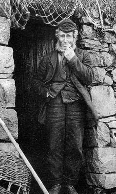 ~+~+~ Vintage Photograph ~+~+~ Crofter Cottage Isle Of Skye, Scotland
