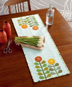 The Quilter's Appliqué Workshop by Kevin Kosbab - Mod Flowers Table Runner beauty shot