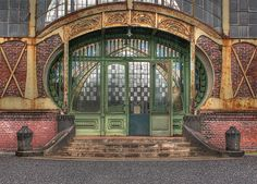 Grand door /entree to machine shop (when they stilled cared about beauty, details and quality)...