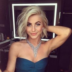 New Hair Cuts Short Blonde Julianne Hough Ideas Bob Hairstyles For Fine Hair, My Hairstyle, Hairstyles Haircuts, Cool Hairstyles, Wedding Hairstyles, Blonde Hairstyles, Pixie Haircuts, Latest Hairstyles, Styles Bob