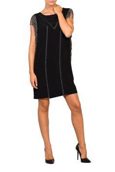 Un Little Black Dress siempre viene bien http://www.tenestilo.com/p-ittle-black-dress-con-flecos-metalizados-kv34-1728