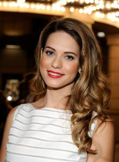 Lyndsy Fonseca Photos - Lyndsy Fonseca attends the CW launch party presented by Bing at Warner Bros. Studios on September 2011 in Burbank, California. - Bing Presents The CW Launch Party Lyndsy Fonseca, Tv Girls, Hot Brunette, The Cw, Messy Hairstyles, Hollywood Actresses, Pretty People, Pretty Woman, Gorgeous Women
