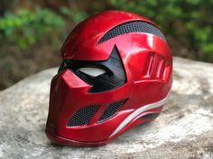 Darth Vader Discover Red Hood and the Outlaw HQ resin full details Helmet Design, Mask Design, Red Hood Helmet, Armadura Cosplay, Tactical Helmet, Pc Gaming Setup, Futuristic Cars, Futuristic Helmet, Cosplay Armor
