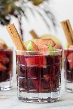 Apple Pie Sangria Recipe - Sugar and Charm - sweet recipes - entertaining tips…